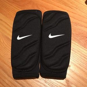Nike Football Forearm Pads Size Medium